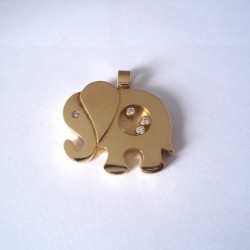 PENDENTIF EN OR 18K ELEPHANT, DIAMANTS.