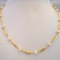 COLLIER FILIGRANES ET PERLES DE CULTURE EN OR 18K